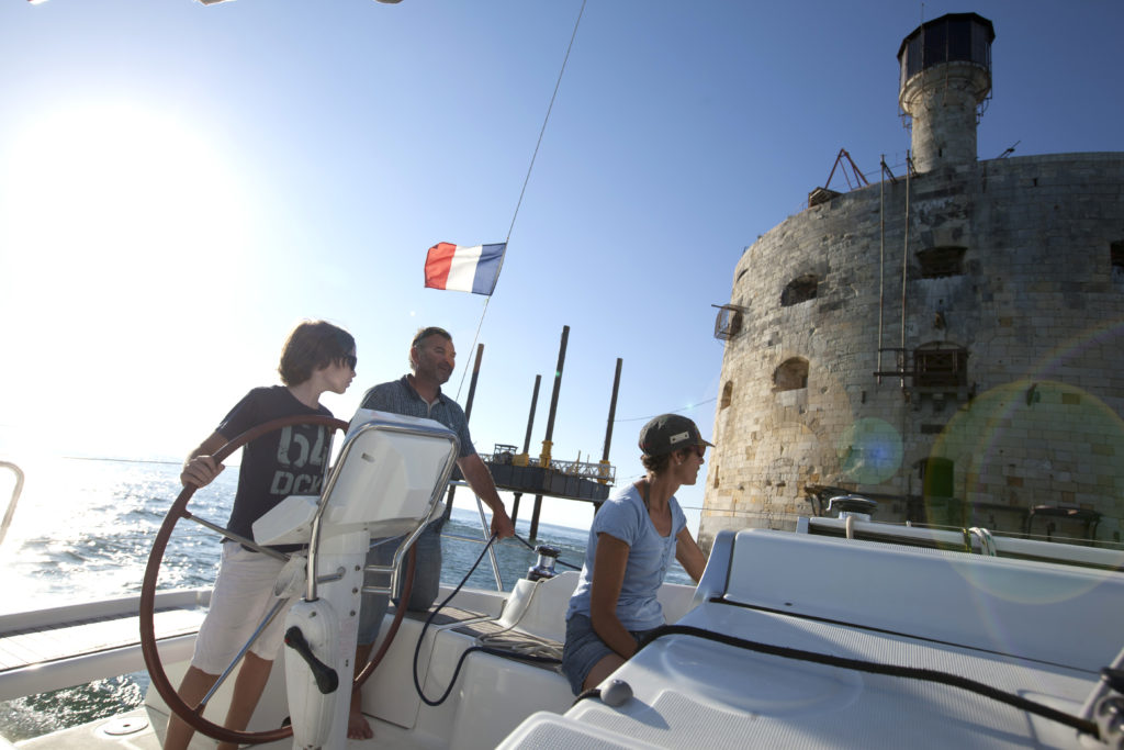Fort Boyard family boat