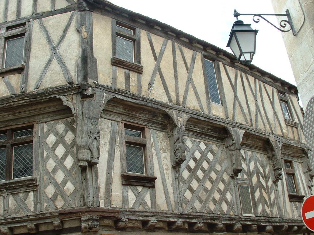 alleyways in Cognac old town