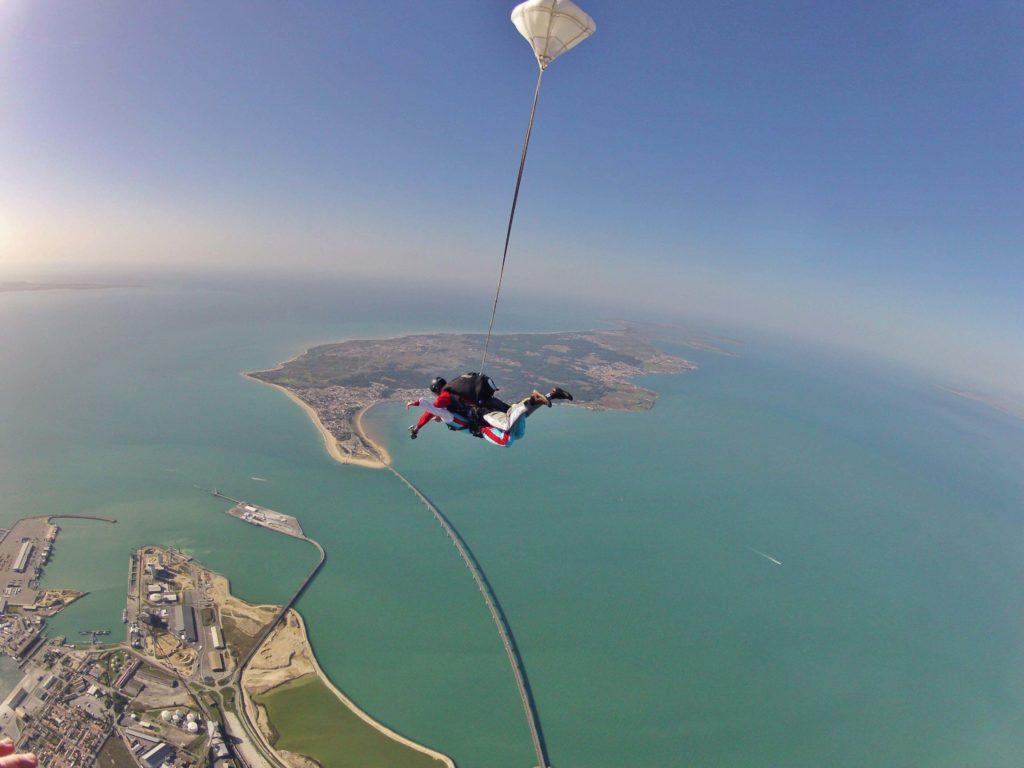 Île d'Oléron parachute jump