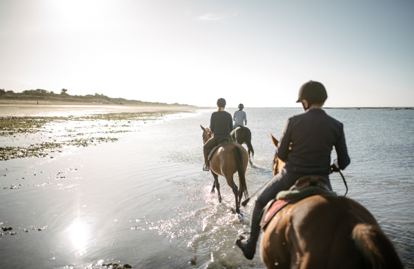 horseback riding on the French Atlantic Coast @milesandlove